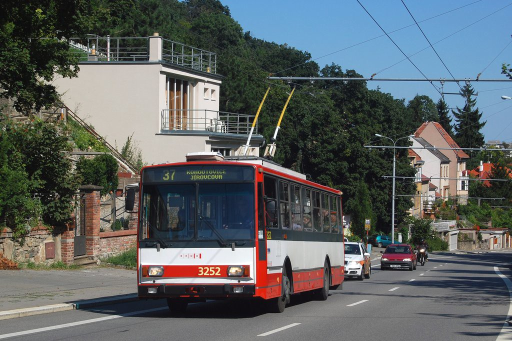 Fotogalerie » Škoda 14TrR 3252   Brno   Kohoutovice   Libušino údolí