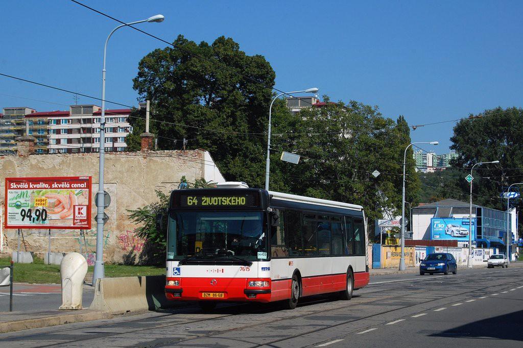 Fotogalerie » Irisbus Citybus 12M 2071.30 BZM 86-68 7615   Brno   Židenice   Bubeníčkova   Kuldova
