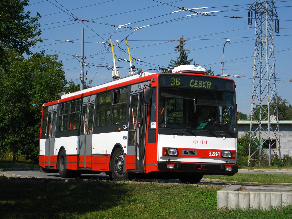 Fotogalerie » Škoda 14TrR 3284 | Brno | Komín | Řezáčova