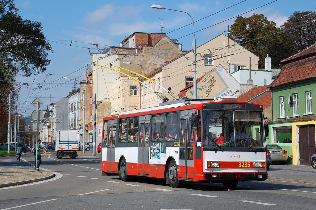 Fotogalerie » Škoda 14Tr10/6 3235 | Brno | Pisárky | Hlinky
