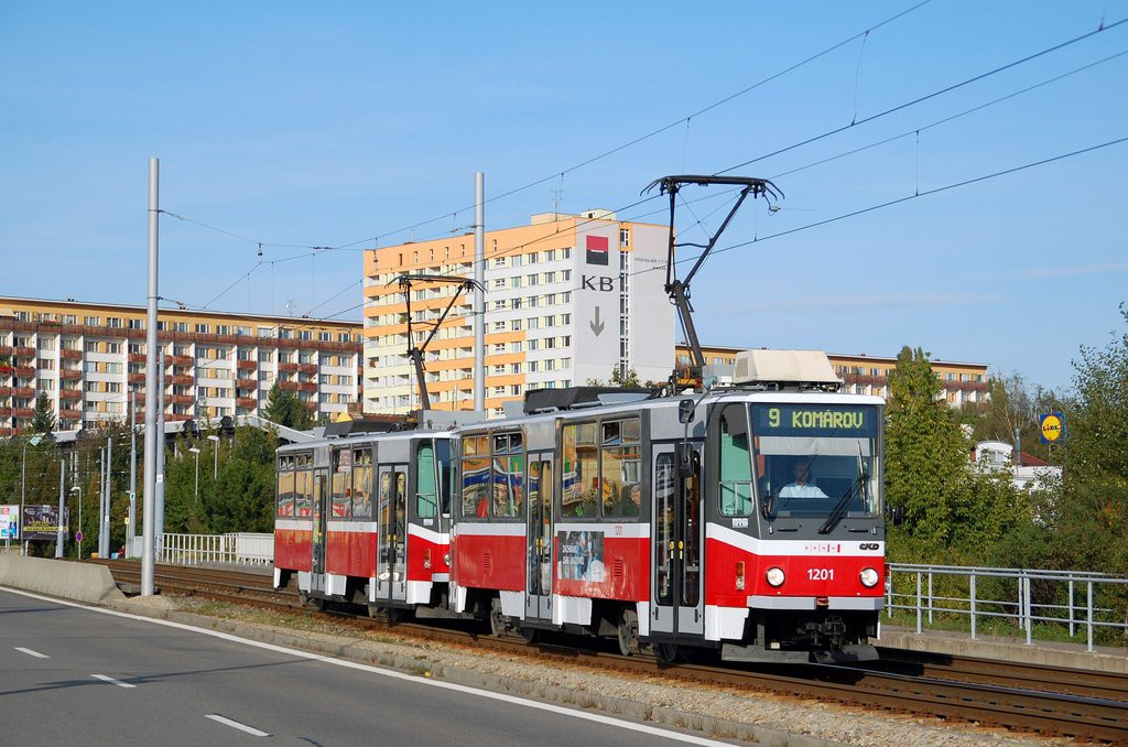 Fotogalerie » ČKD DS T6A5 1201 | ČKD DS T6A5 1202 | Brno | Lesná | třída Generála Píky