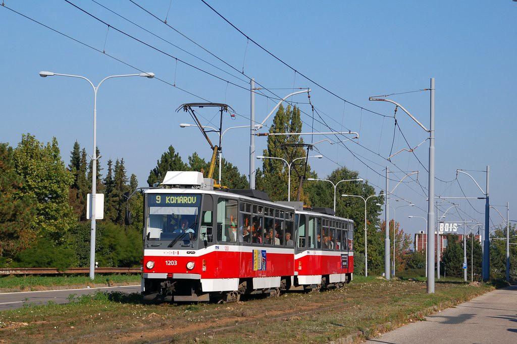 Fotogalerie » ČKD DS T6A5 1203 | ČKD DS T6A5 1204 | Brno | Černá Pole | třída Generála Píky