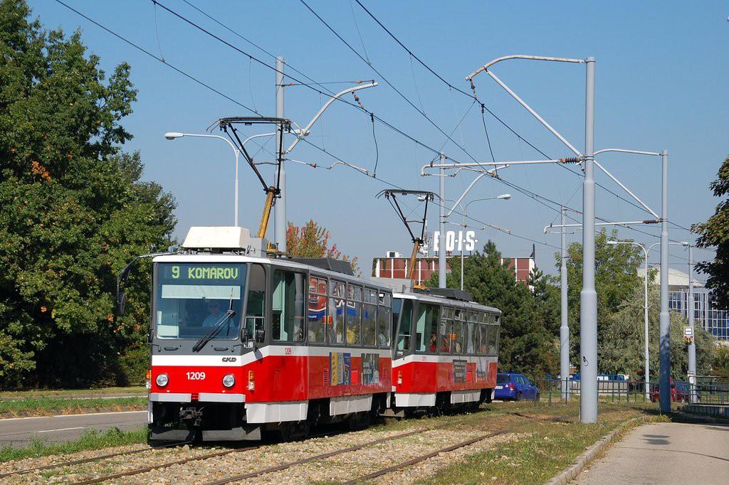 Fotogalerie » ČKD DS T6A5 1209 | ČKD DS T6A5 1210 | Brno | Černá Pole | třída Generála Píky