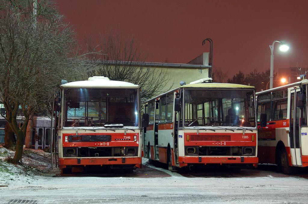 Fotogalerie » Karosa B732.1654 BSB 24-84 7346 | Karosa B732.1652 BSB 24-76 7285 | Brno | vozovna Medlánky