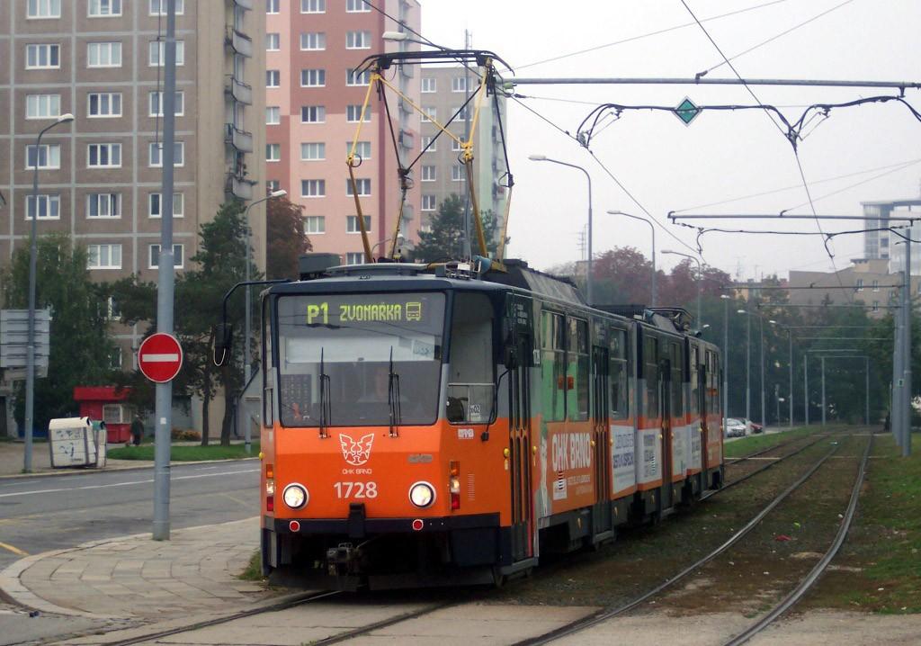 Fotogalerie » ČKD Tatra KT8D5SU 1728   Brno   Staré Brno   Veletržní