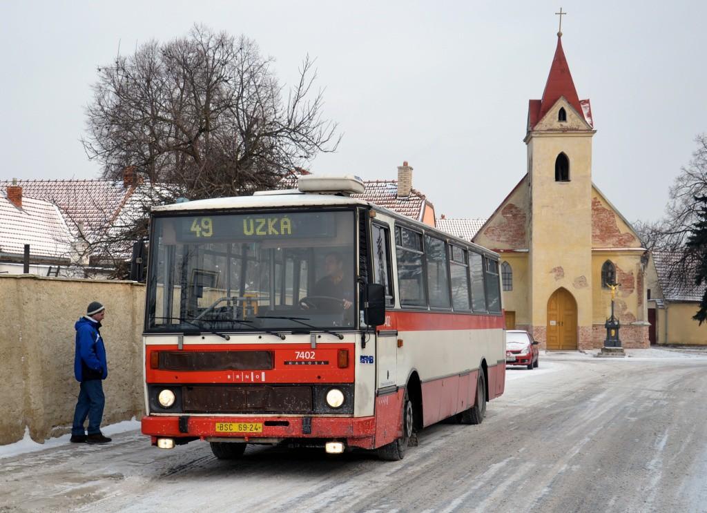 Fotogalerie » Karosa B731.1669 BSC 69-24 7402 | Brno | Přízřenice | Staré náměstí | Přízřenice, smyčka