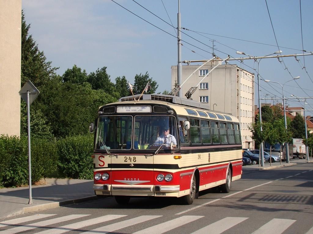 Fotogalerie » Škoda T11/0 248   Brno   Královo Pole   Srbská   Srbská