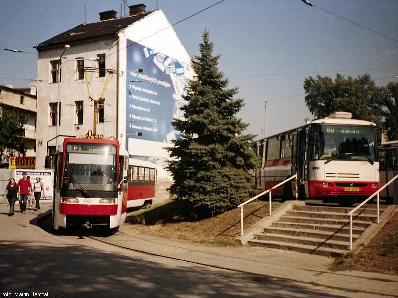 Fotogalerie » ČKD Tatra K2R03 1027 | Karosa B961.1970 2367 | Brno | Zvonařka, smyčka