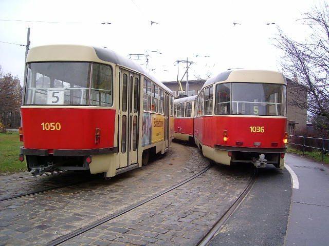 Fotogalerie » ČKD Tatra K2 1050 | ČKD Tatra K2P 1036 | Brno | Štefánikova čtvrť | Štefánikova čtvrť, smyčka