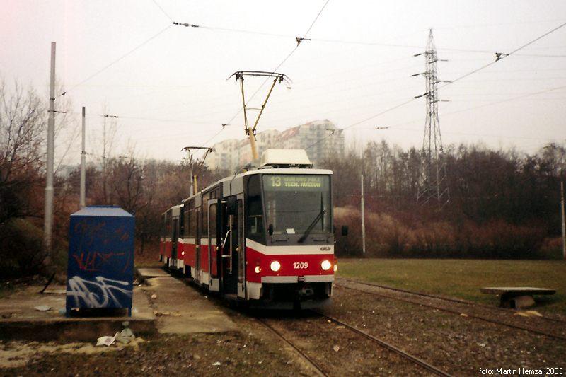 Fotogalerie » ČKD DS T6A5 1209 | ČKD DS T6A5 1210 | Brno | Líšeň | Novolíšeňská, smyčka