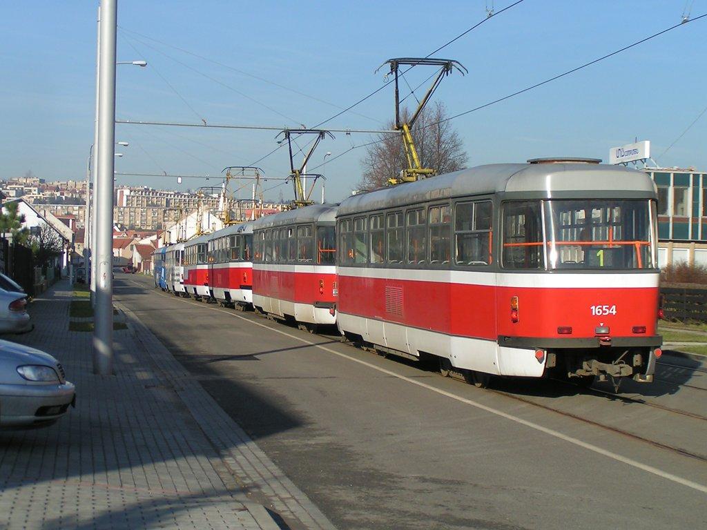 Fotogalerie » Pragoimex T3R.PV 1653 | Pragoimex T3R.PV 1654 | Brno | Komín | Jundrovská | Komín, smyčka