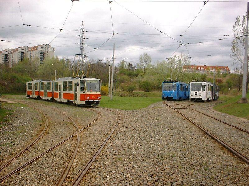 Fotogalerie » ČKD Tatra KT8D5 1701 | ČKD Tatra KT8D5 1710 | ČKD Tatra KT8D5 1726 | Brno | Líšeň | Novolíšeňská, smyčka