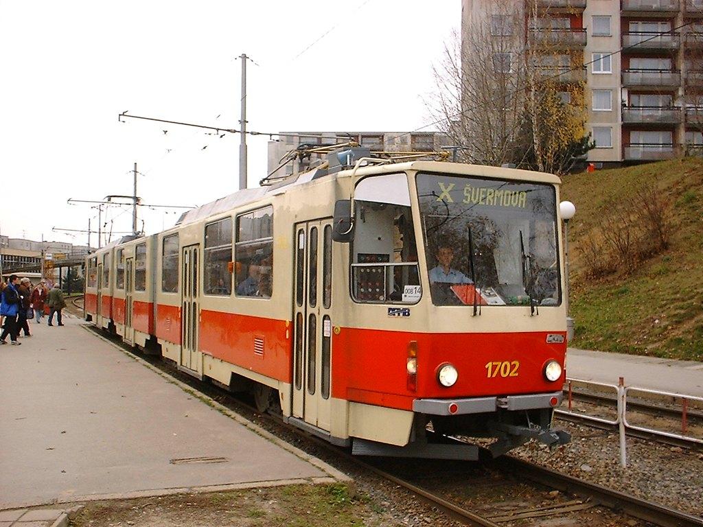 Fotogalerie » ČKD Tatra KT8D5 1702 | Brno | Bohunice | Švermova