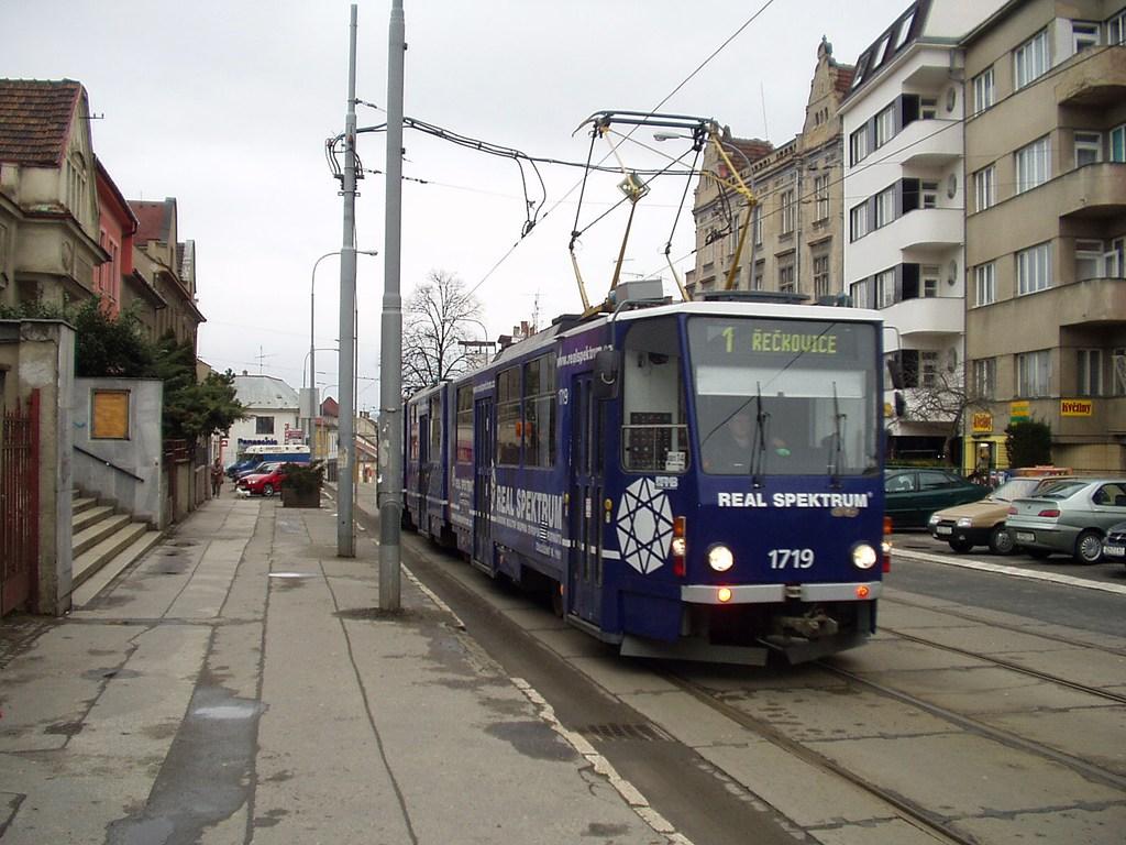 Fotogalerie » ČKD Tatra KT8D5 1719   Brno   Žabovřesky   Minská