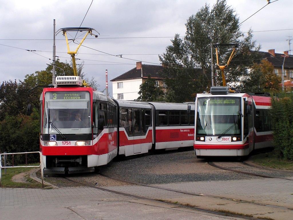 Fotogalerie » Škoda 03T6 1807 | Pars Nova K3R-N 1751 | Brno | Židenice | Stará Osada, smyčka