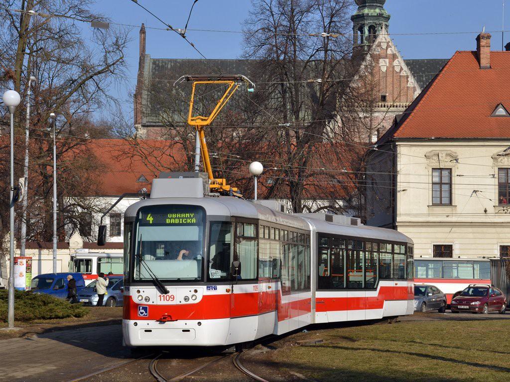 Fotogalerie » Pragoimex VarioLF2R.E 1109 | Brno | Staré Brno | Mendlovo náměstí | Mendlovo náměstí, smyčka