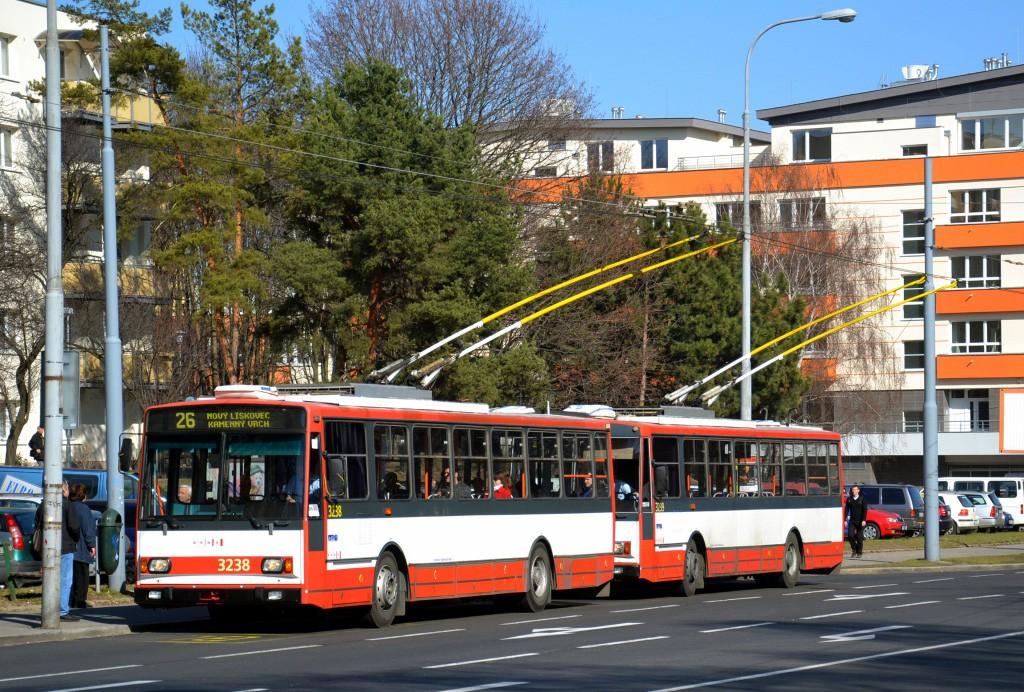 Fotogalerie » Škoda 14Tr10/6 3238 | Škoda 14Tr10/6 3239 | Brno | Černá Pole | Provazníkova | Merhautova