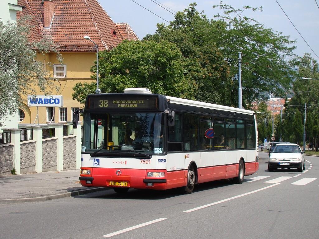 Fotogalerie » Irisbus Citybus 12M 2071.20 BZM 72-31 7601 | Brno | Masarykova čtvrť | Tvrdého | Žlutý kopec