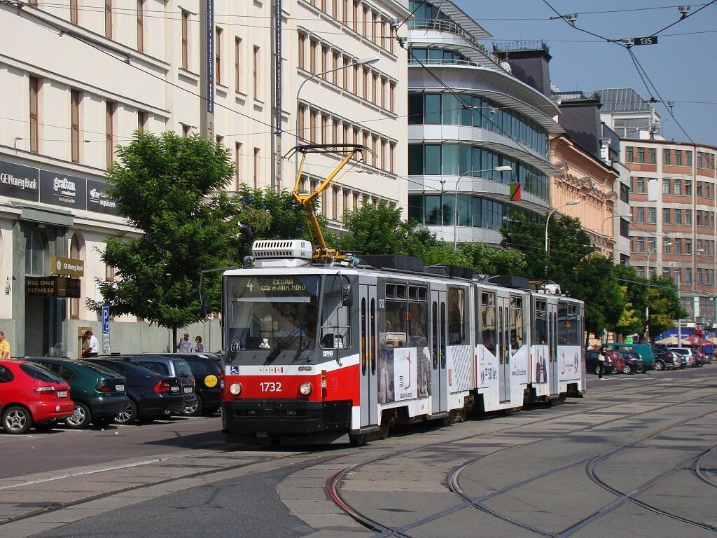 Fotogalerie » ČKD Tatra KT8D5N 1732   Brno   střed   Benešova