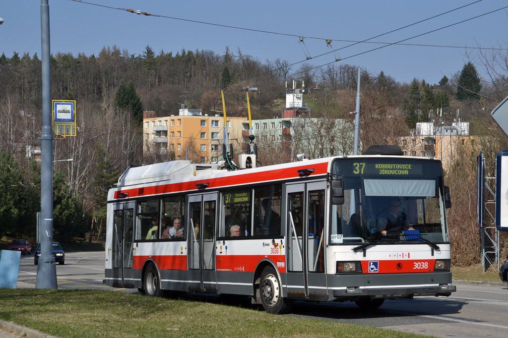 Fotogalerie » Škoda 21Tr 3038   Brno   Kohoutovice   Libušino údolí   Borodinova