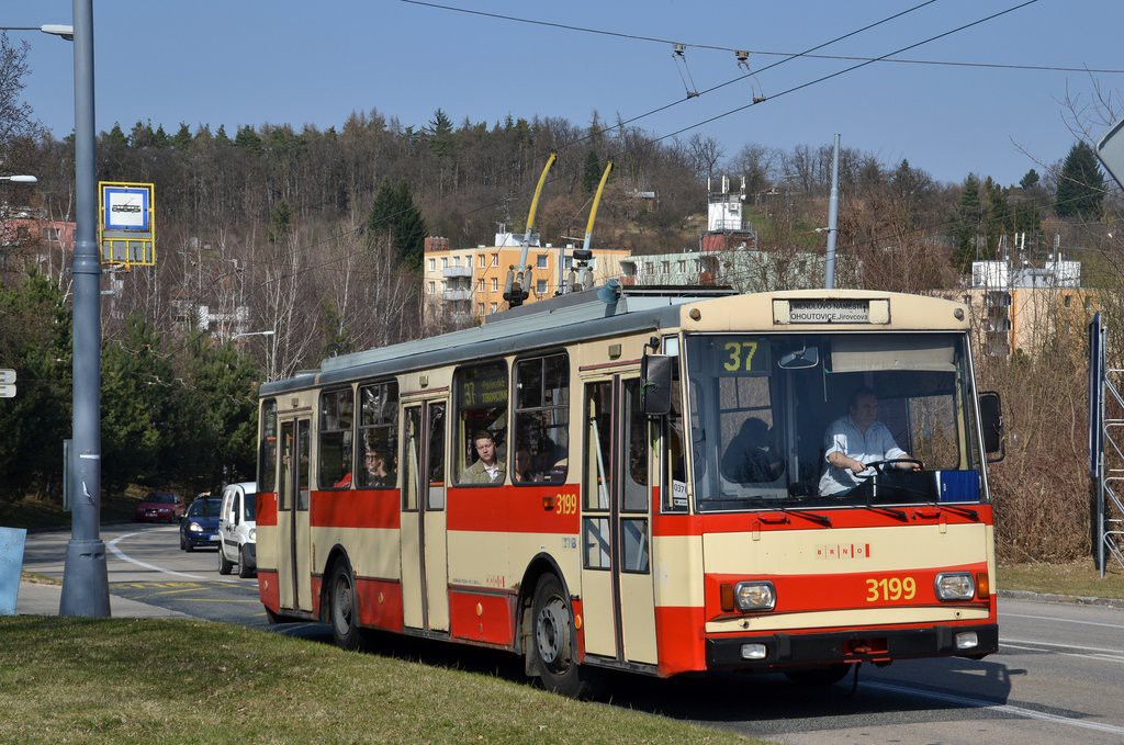 Fotogalerie » Škoda 14Tr07 3199 | Brno | Kohoutovice | Libušino údolí | Borodinova
