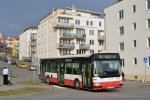 Začátky provozu linky 65 v ulici Nadační dokumentuje například Citybus 7620 v roce 2011