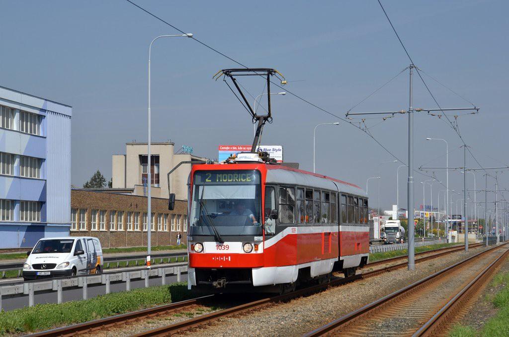 Fotogalerie » ČKD Tatra K2R 1039 | Brno | Přízřenice | Vídeňská