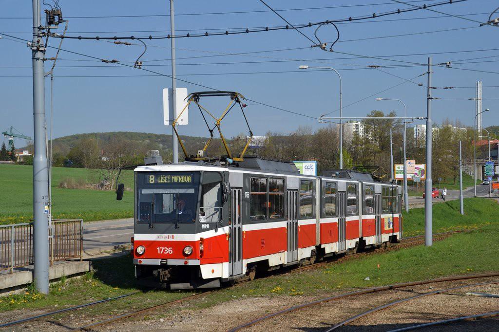 Fotogalerie » ČKD Tatra KT8D5 1736 | Brno | Starý Lískovec | Jemelkova | Starý Lískovec, smyčka