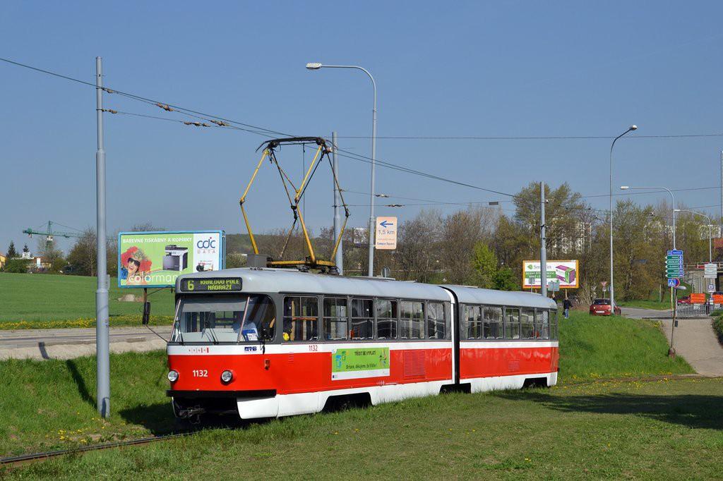 Fotogalerie » ČKD Tatra K2 1132 | Brno | Starý Lískovec | Jemelkova | Starý Lískovec, smyčka