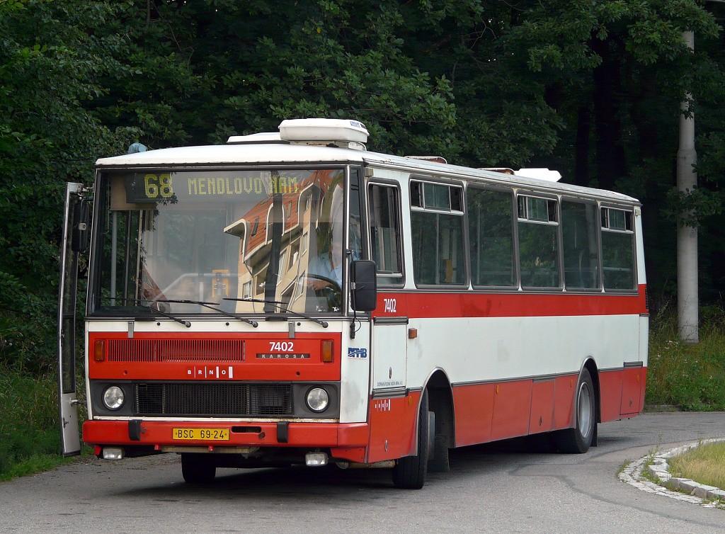 Fotogalerie » Karosa B731.1669 BSC 69-24 7402 | Brno | Kohoutovice | Žebětínská | Kohoutovice, hájenka, smyčka