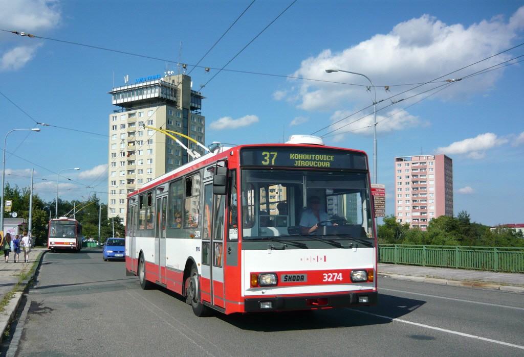 Fotogalerie » Škoda 14Tr17/6M 3274 | Brno | Kohoutovice | Libušina třída | Voříškova