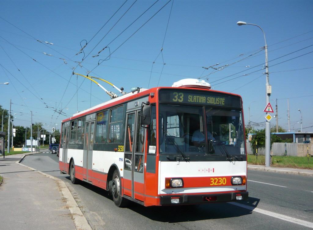 Fotogalerie » Škoda 14Tr08/6 3230 | Brno | Slatina | Hviezdoslavova | Černovičky