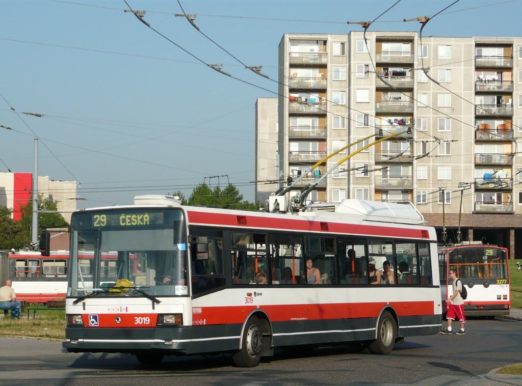 Fotogalerie » Škoda 21Tr 3019 | Brno | Starý Lískovec | Osová, smyčka