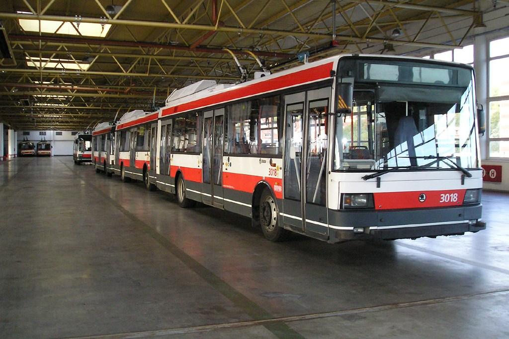 Fotogalerie » Škoda 21Tr 3018 | Brno | Komín | vozovna Komín