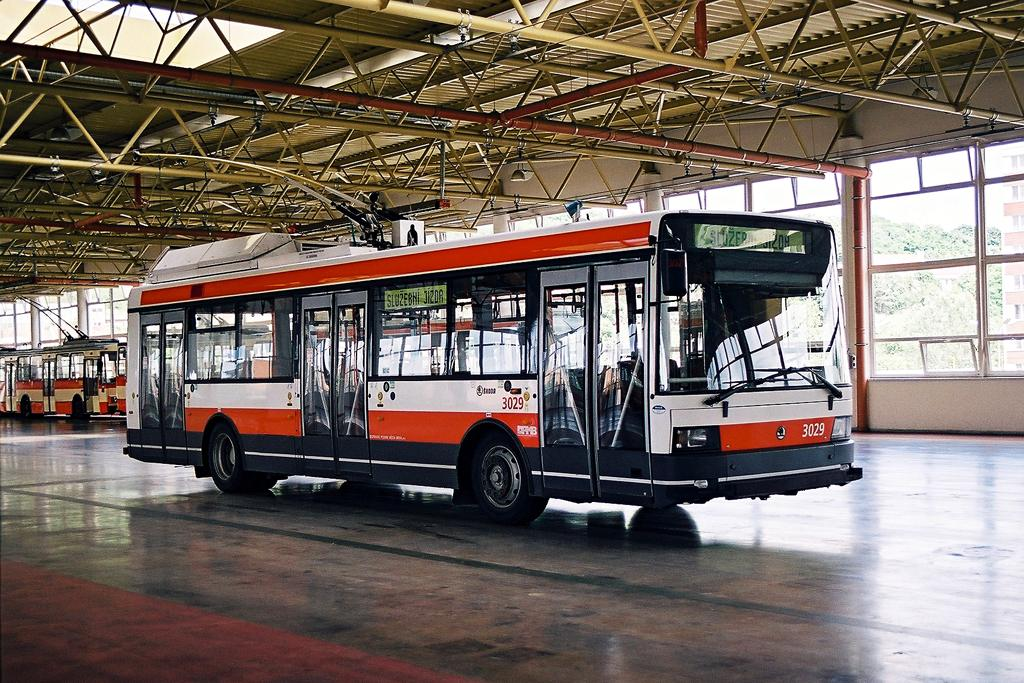 Fotogalerie » Škoda 21Tr 3029 | Brno | Komín | vozovna Komín