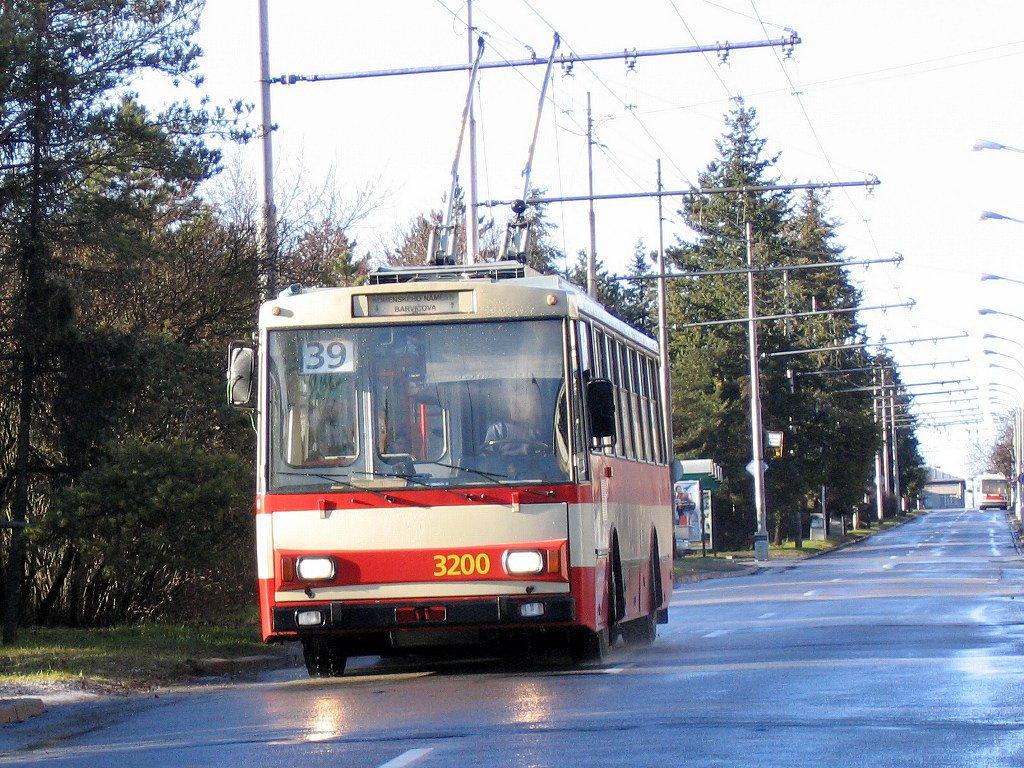 Fotogalerie » Škoda 14Tr07 3200 | Brno | Masarykova čtvrť | Barvičova | Kampelíkova