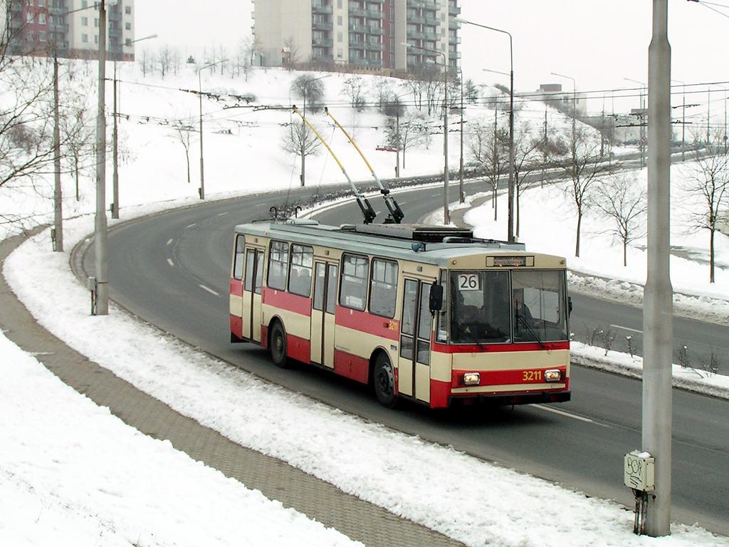 Fotogalerie » Škoda 14Tr08/6 3211 | Brno | Kamenný Vrch | Petra Křivky