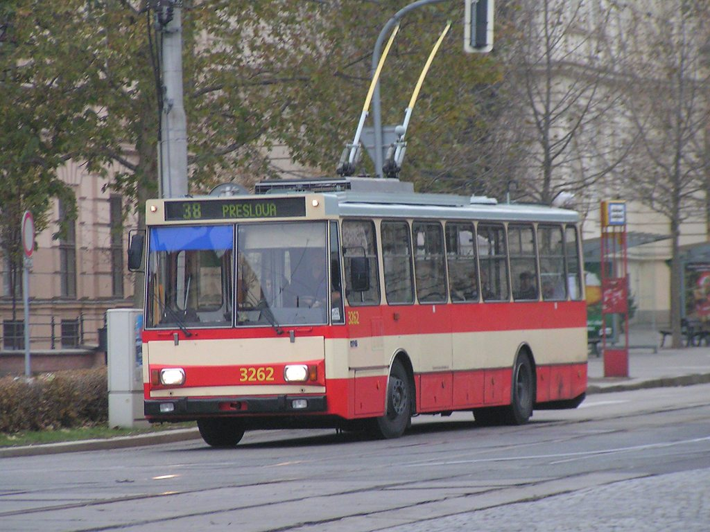 Fotogalerie » Škoda 14Tr14 3262 | Brno | střed | Komenského náměstí | Komenského náměstí