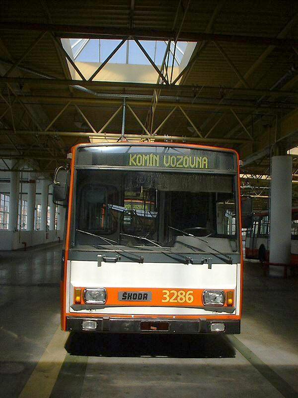 Fotogalerie » Škoda 14Tr17/6M 3286 | Brno | Komín | vozovna Komín