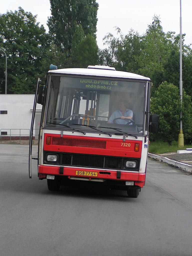 Fotogalerie » Karosa B732.1652 7320 | Brno | Vozovna Slatina