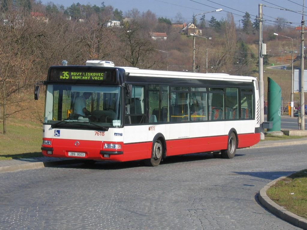 Fotogalerie » Irisbus Citybus 12M 2071.40 7618 | Brno | Kamenný vrch | Kamenný Vrch, smyčka