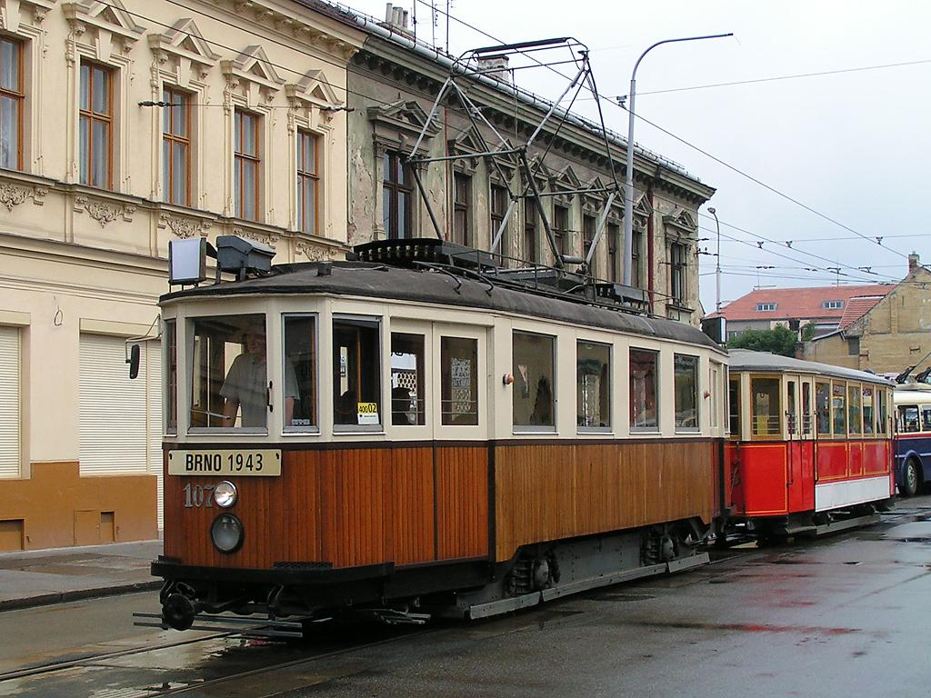 Fotogalerie » KPS Brno mv6.3 107 | Ringhoffer vv2.ringh 215 | Brno | Husovice | Vranovská