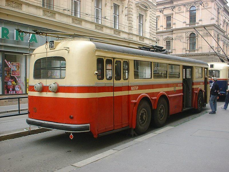 Fotogalerie » Tatra T400 19   Brno   střed   Brandlova   Česká