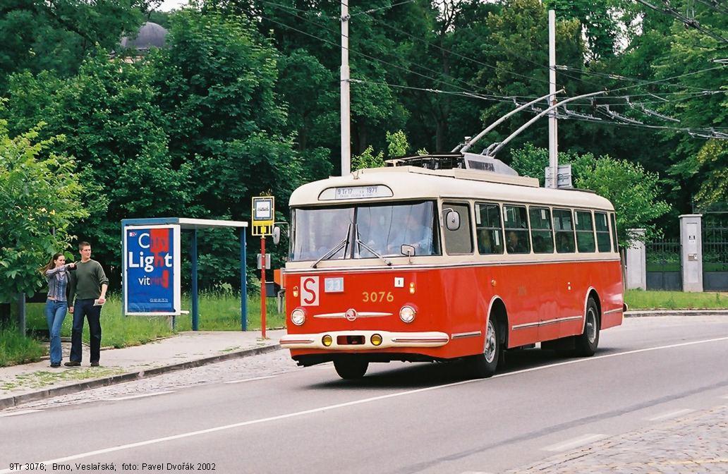 Fotogalerie » Škoda 9Tr17 3076 | Brno | Pisárky | Veslařská | Anthropos