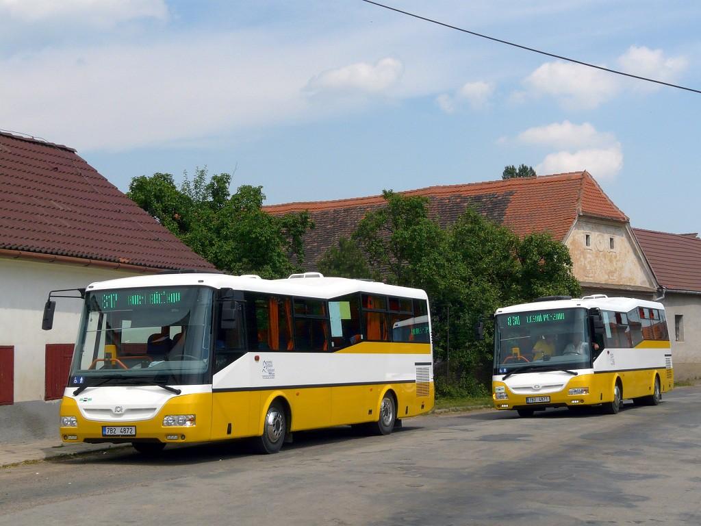 Fotogalerie » SOR CN 9.5 7B2 4871 79   SOR CN 9.5 7B2 4872 80   Horní Břečkov   Horní Břečkov, Jednota