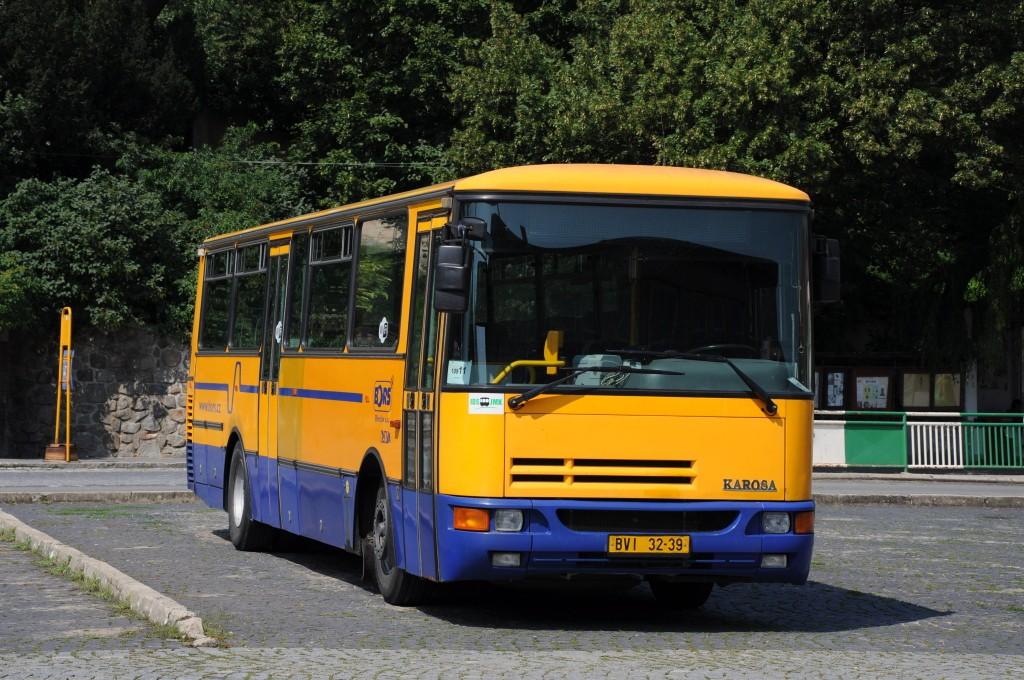 Fotogalerie » Karosa C934E.1351 BVI 32-39 | Klobouky u Brna | náměstí Míru | Klobouky u Brna, náměstí