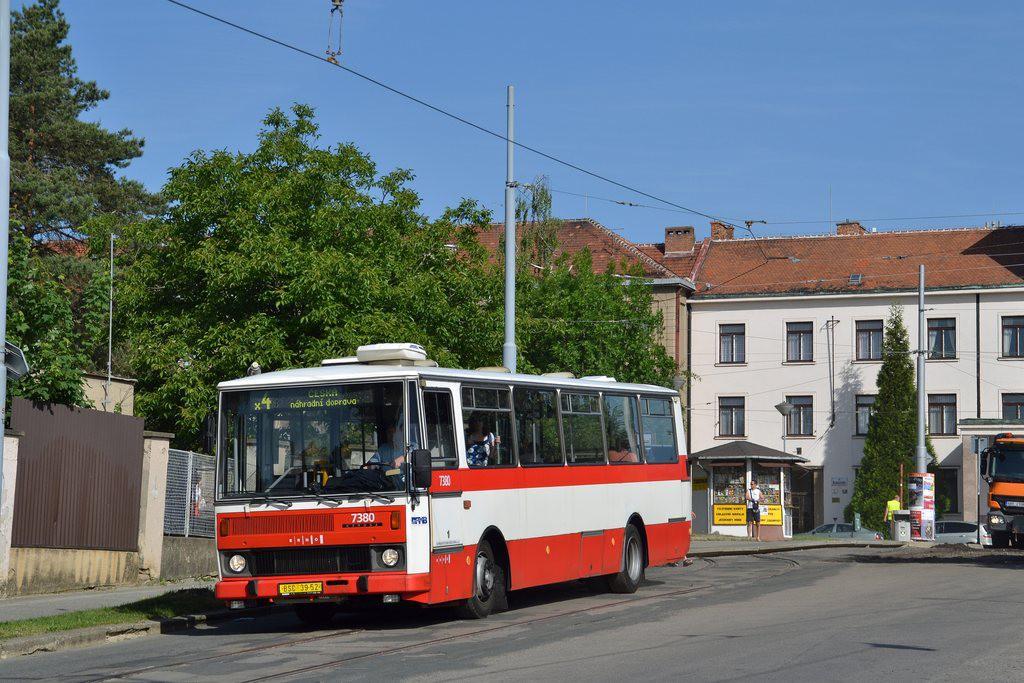 Fotogalerie » Karosa B732.1654.3 BSC 39-52 7380 | Brno | Masarykova čtvrť | Údolní