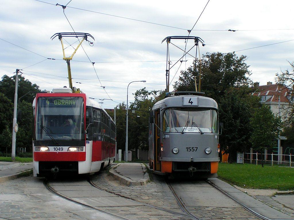 Fotogalerie » ČKD Tatra K2R03-P 1049 | ČKD Tatra T3M 1557 | Brno | Masarykova čtvrť | náměstí Míru | Náměstí Míru