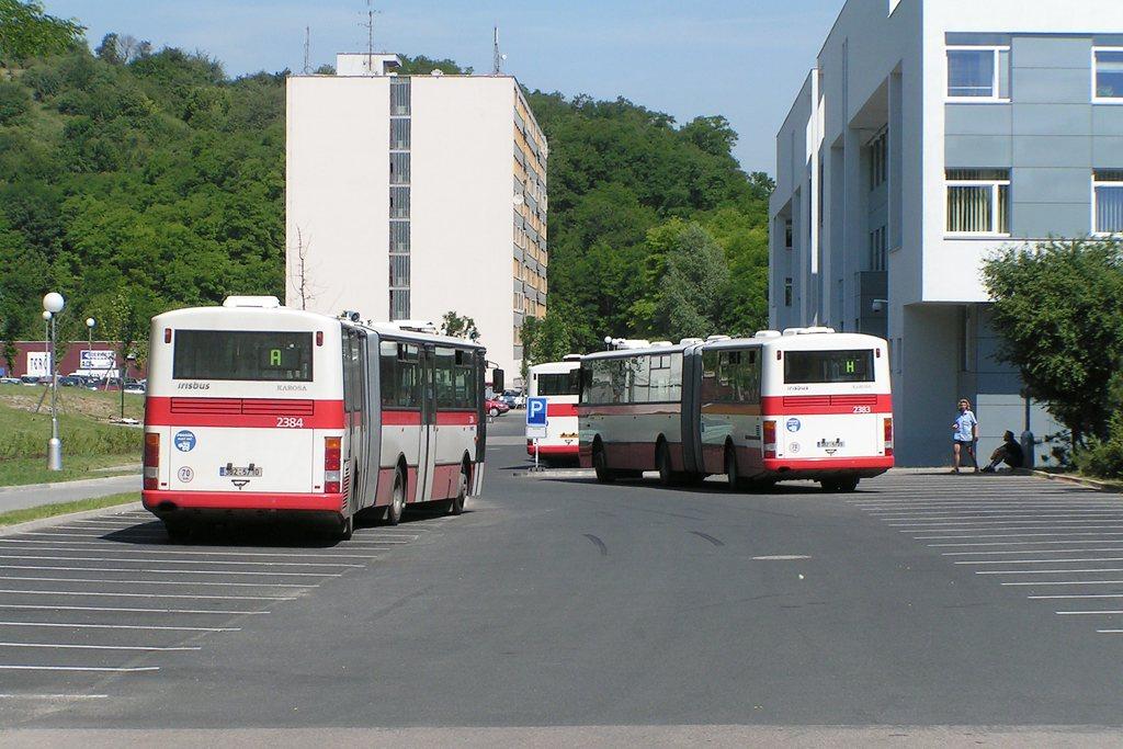 Fotogalerie » Karosa B961E.1970 2383 | Karosa B961E.1970 2384 | Brno | Žabovřesky | Kolejní