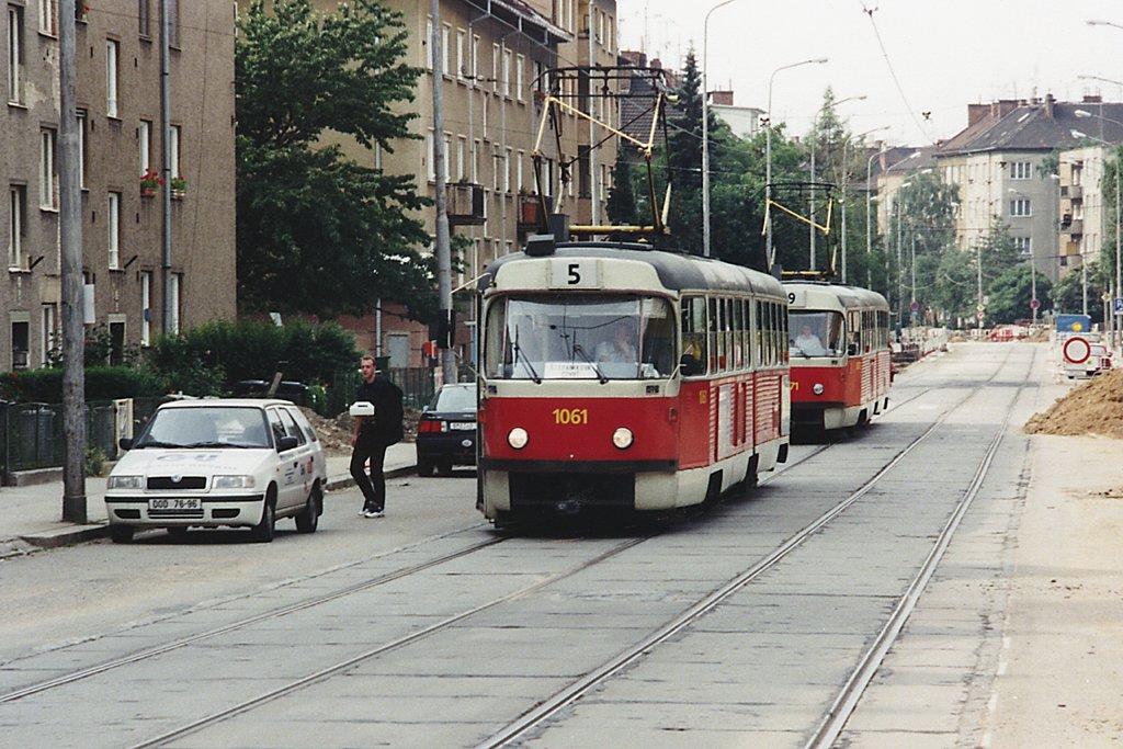 Fotogalerie » ČKD Tatra K2 1061 | ČKD Tatra K2MM 1071 | Brno | Černá Pole | Merhautova